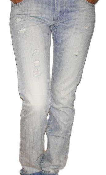 Boyfriend jean ξεβαμμένο με σκισίματα