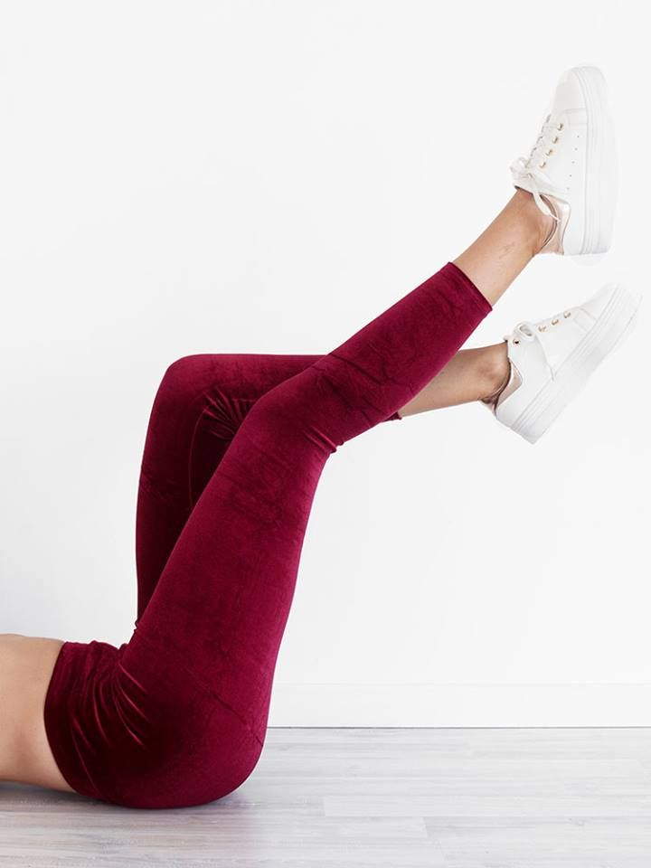 CHERRY VELVET LEGGINGS